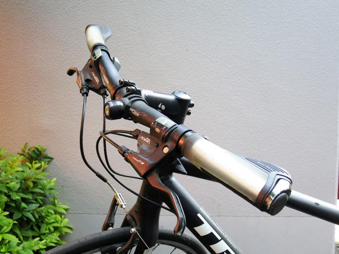 クロスバイクのハンドル