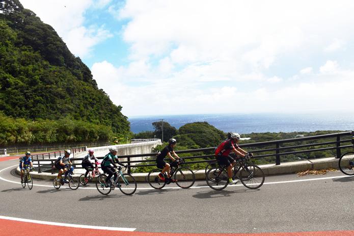 伊豆大島は適度にアップダウンがあり、走り応えは充分
