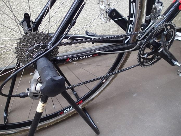 作業しやすいように自転車をセット