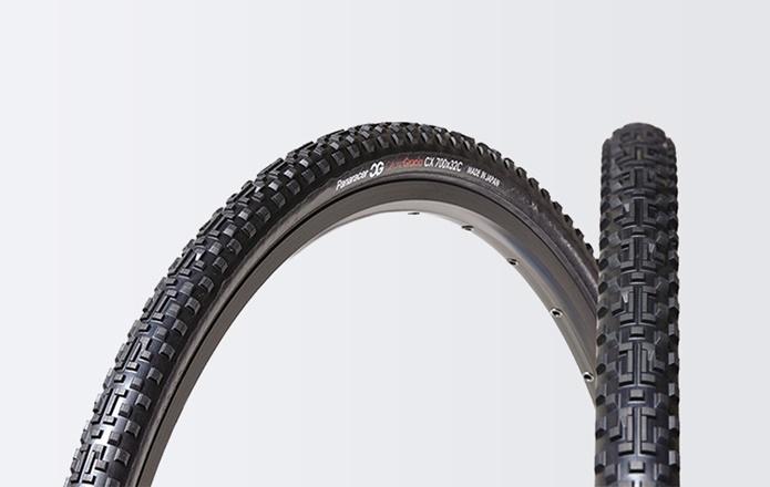 走破性も考慮した「タイヤの種類と幅」