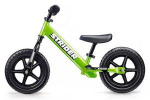 初めてのペダルなし自転車「ストライダー」徹底ガイド!