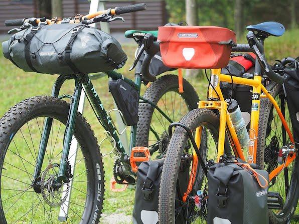 ツーリングバイク、キャンプギア……最旬アイテムがずらり