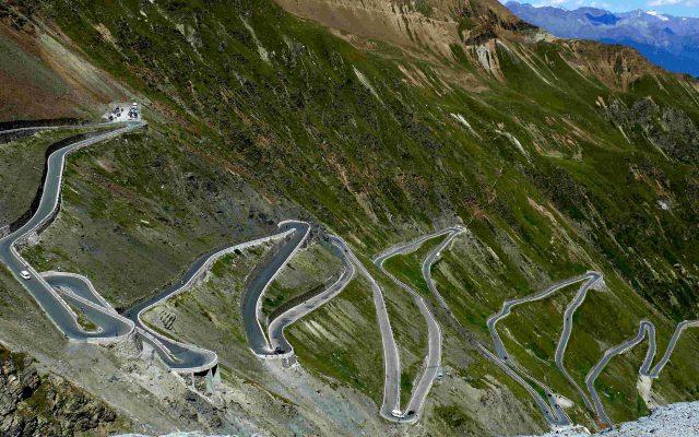 ステージレースで競うジロ・デ・イタリア