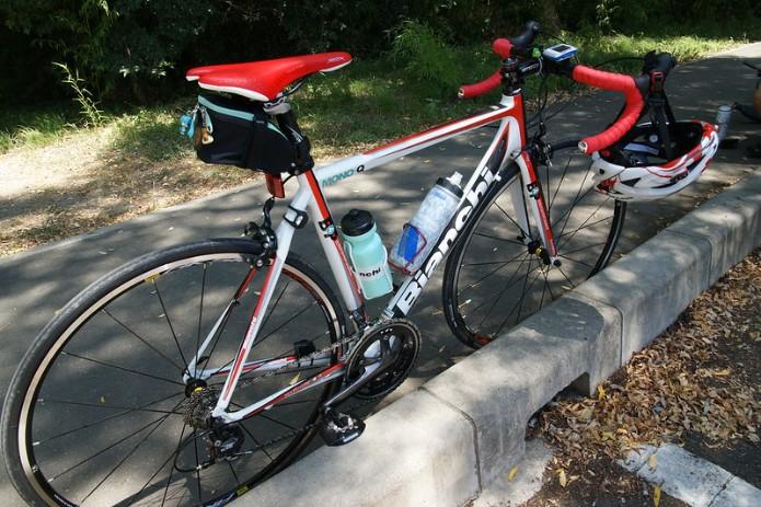 快適なサイクリングに必須アイテム「ボトルケージ」