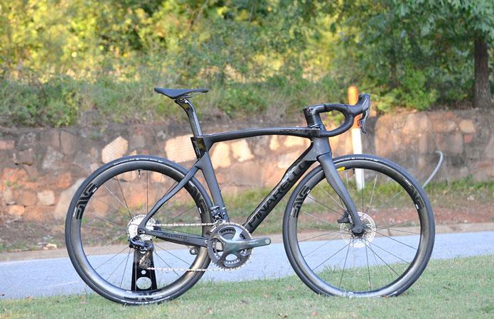 PINARELLOのロードバイクは高級かつ性能もピカイチ