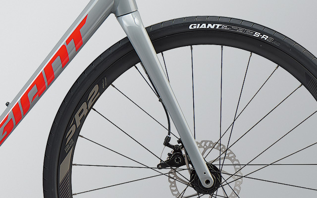 GIANTロードバイクCONTEND AR 3フォーク部分
