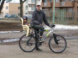 【前乗せ?後ろ乗せ?】自転車のチャイルドシートの選び方と、おすすめ8選