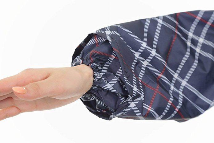 風で裾や袖口が広がらないフィット感