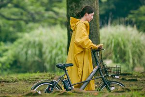 【雨の日もおしゃれに】自転車のレインコートおすすめ10選!