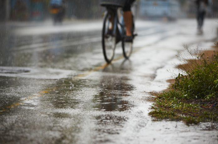 雨の日は滑って、踏みはずしてしまうかも