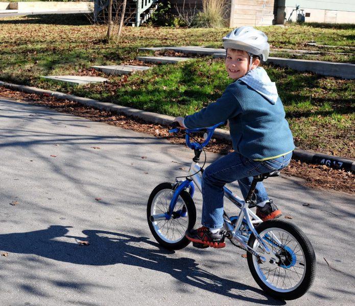 自転車と合わせて、一緒に揃えたいもの