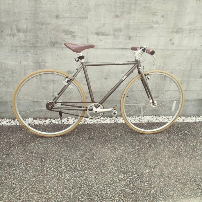 FUJIのクロスバイク