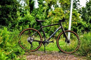 【クールなスタイル】FUJIのクロスバイク、2020年7モデルの特徴と選び方をご紹介!