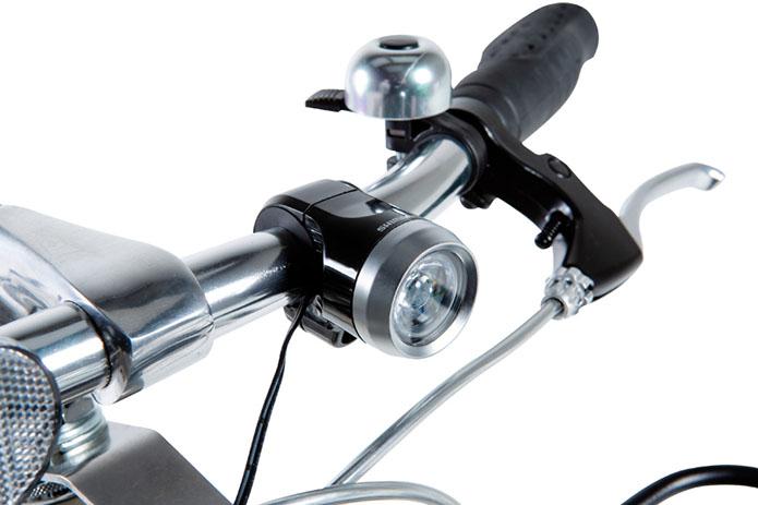 安全性向上のために常時点灯タイプのLEDライトを採用