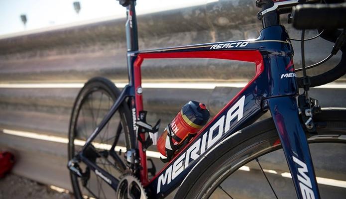 メリダのロードバイク、3大シリーズ