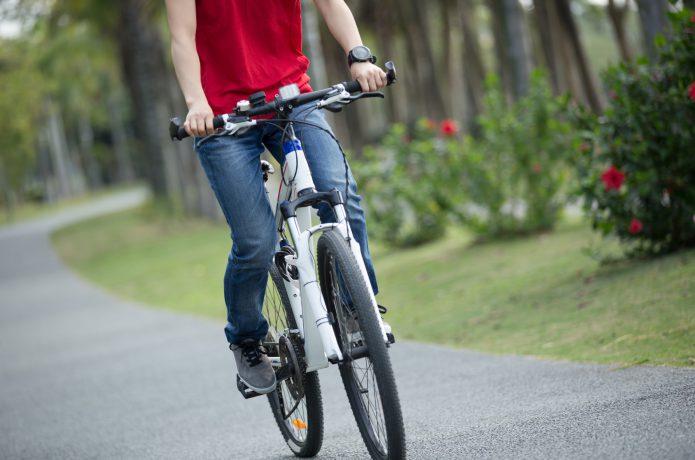 サイクリングに向いているシューズはこれだ!