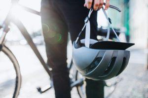 【デザインも大事だよね】クロスバイク向けのおすすめヘルメットをご紹介