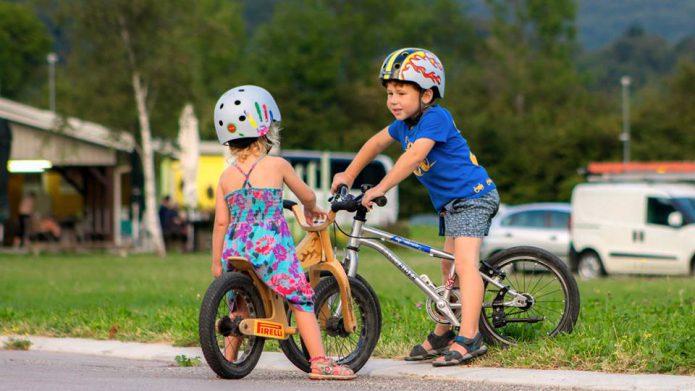 自転車と一緒にこんなアイテムも用意しましょう!