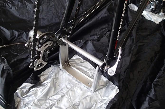 エンド金具の角度を調整