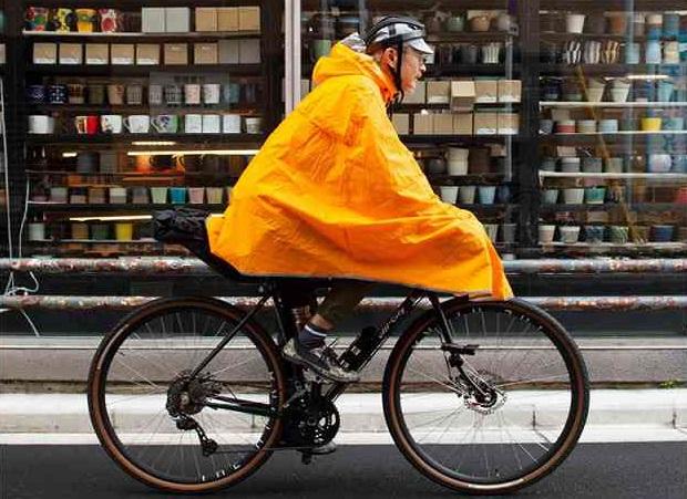 備えあれば憂いなし。ロードバイクにレインウェアはいかが?