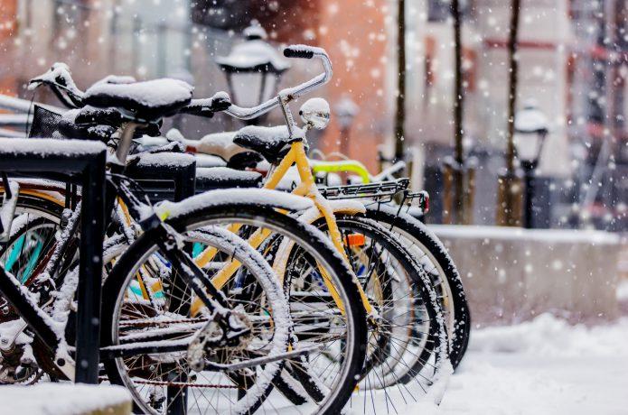 自転車の防寒対策はこれで万全!寒さ解消のアイテムを紹介|CYCLE HACK