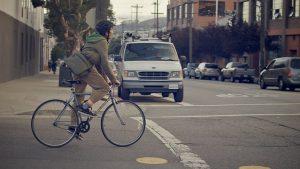 クロスバイクで通勤通学しよう!選び方とおすすめモデルを紹介