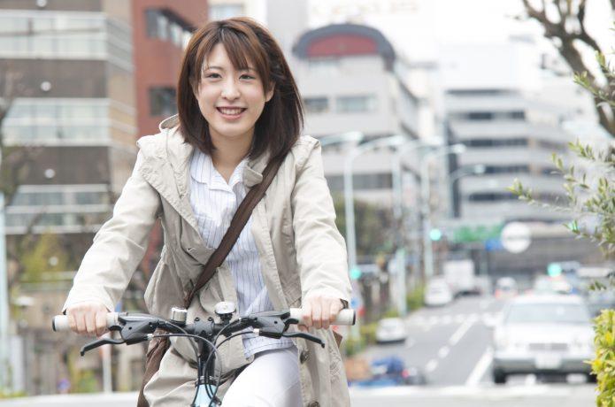 クロスバイクで、気持ちよく通勤通学!