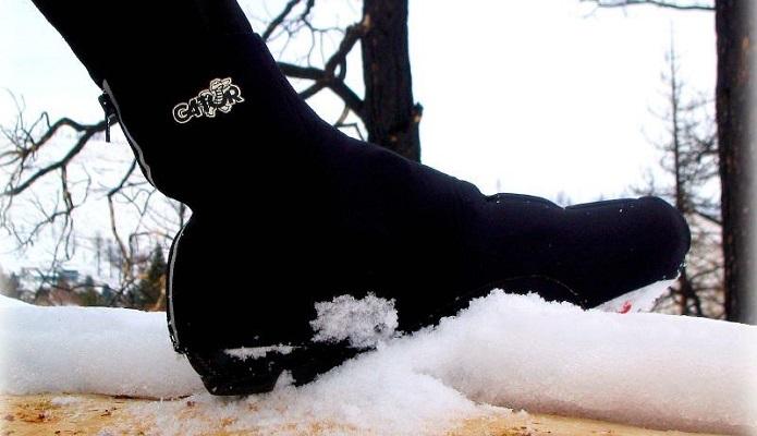 ロードバイクの足先の寒さは、シューズカバーで解決!