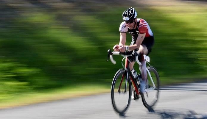 ロードバイクの平均速度、どれくらい?