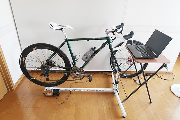 「ローラー台」で、家でもロードバイクを!