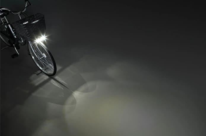 「足も灯4-LED」で、夜道も明るく