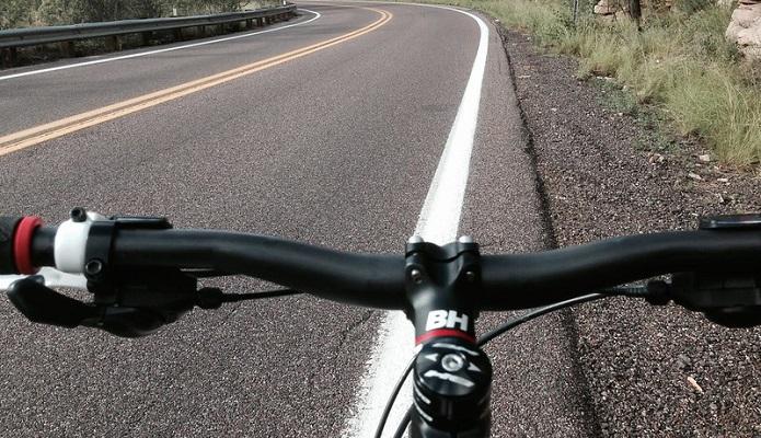 ●クロスバイクは「フラットハンドル」
