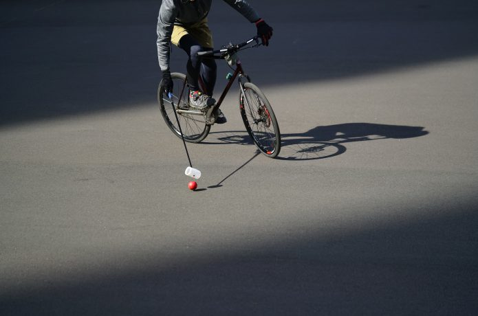 インドア(室内競技) 自転車でサッカーやフィギュアスケート?!