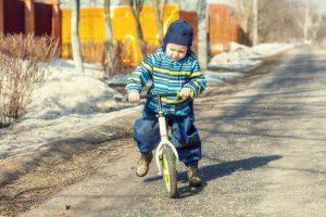 【さあ自転車デビュー!】2歳向けの自転車の選び方とおすすめ10選