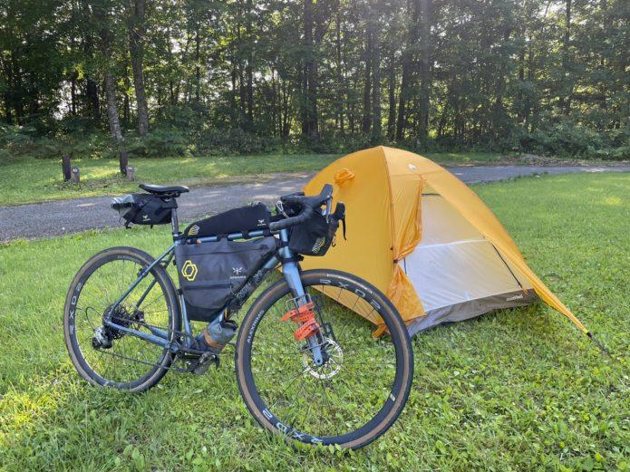 自転車キャンプ apidura アピデュラ