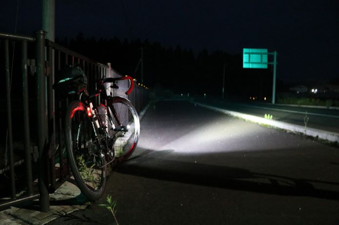ロードバイク ライト つけ方