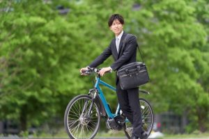 【通勤通学を快適に】おすすめのクロスバイク・服装の選び方を紹介