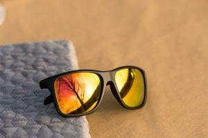 知ってますか?サングラスのレンズの違い。レンズ選びとおすすめ5選